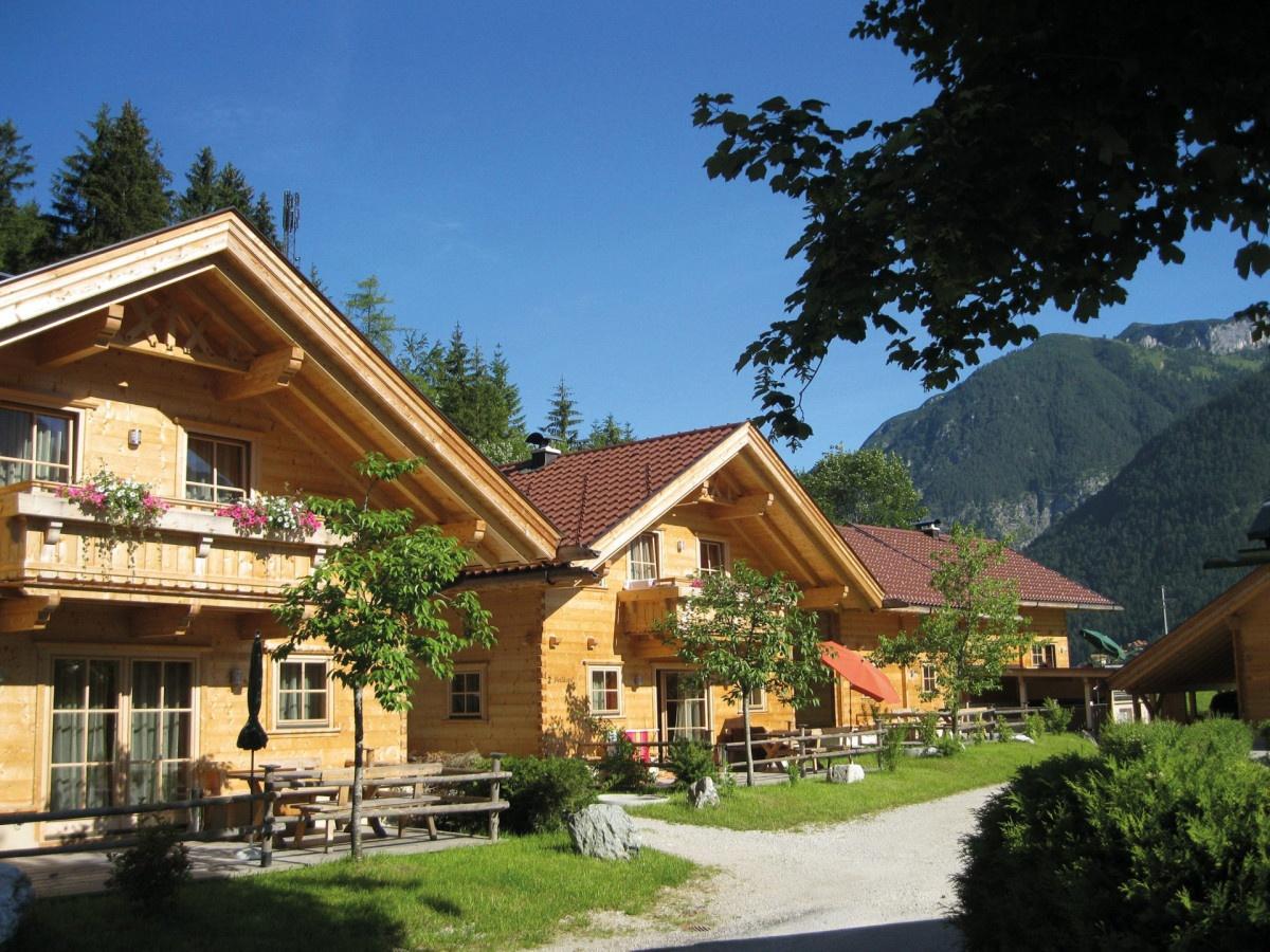 5 Holzblockhäuser